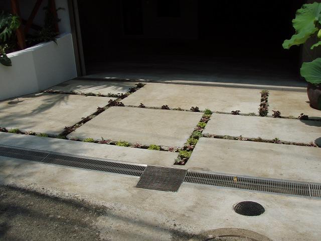 地下車庫スロープ